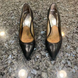 SALEE❤️❤️☀️ Michael Kors heels size 6 black